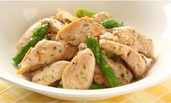 赤鶏ささみとアスパラの青海苔炒め
