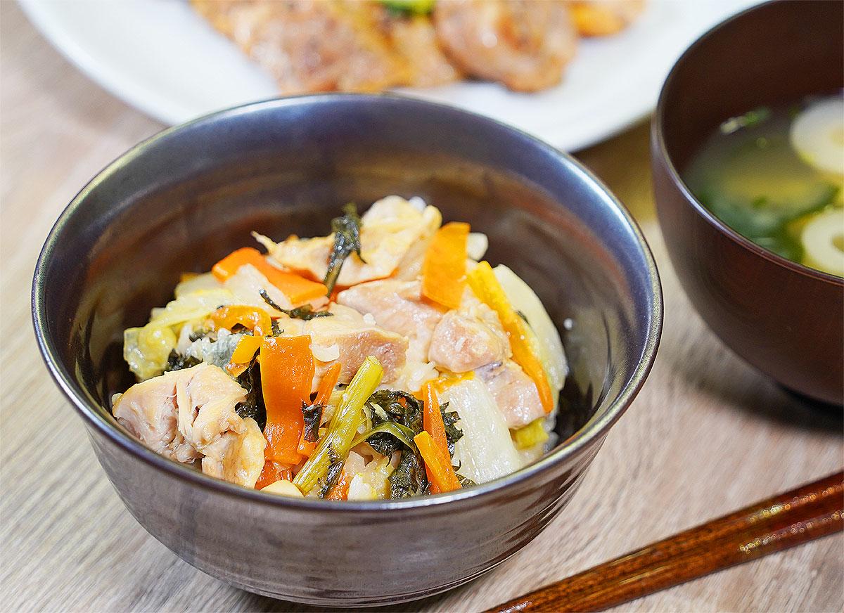 ⦅動画⦆赤鶏の炊き込みご飯 鶏すき風