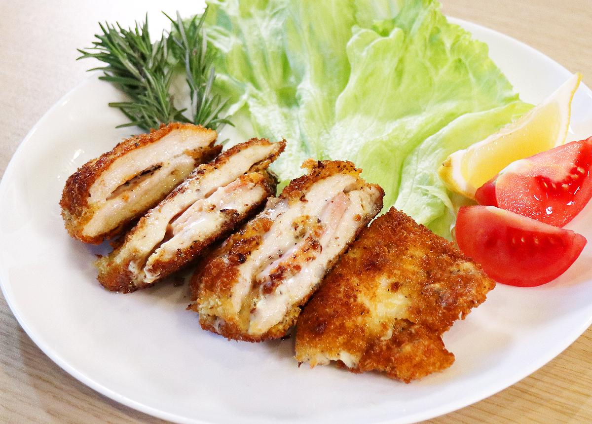 ⦅動画⦆赤鶏うす切りむね肉 チキンコルドンブルー