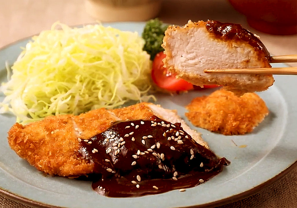 ⦅動画⦆赤鶏の味噌カツ