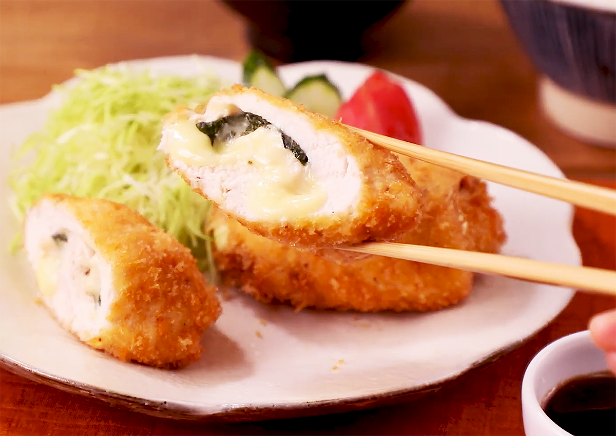 ⦅動画⦆大葉とチーズの赤鶏ロールカツ