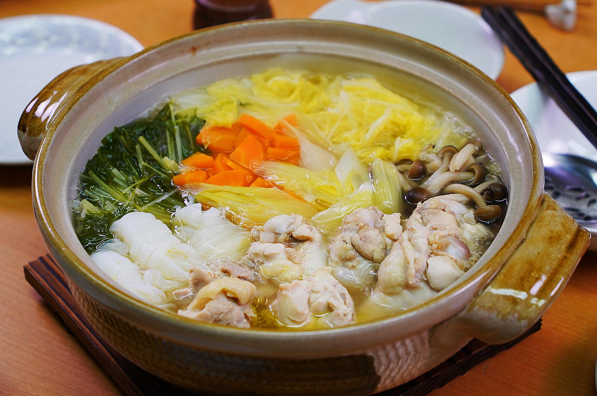 《動画》鶏鍋つゆ塩でつくる鶏水炊き